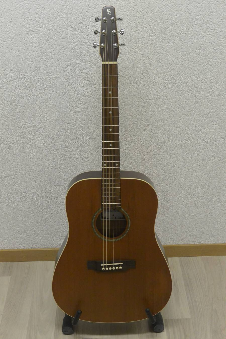 guitare acoustique baton rouge L6 frs. 345.00