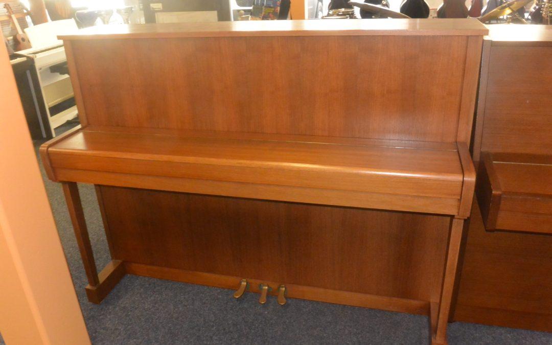 Piano droit Alexander-Hermann